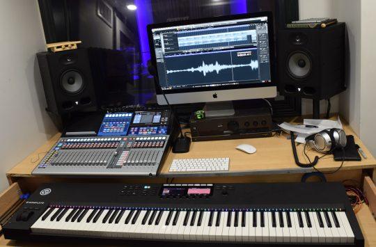 Morrevz Studio Desk